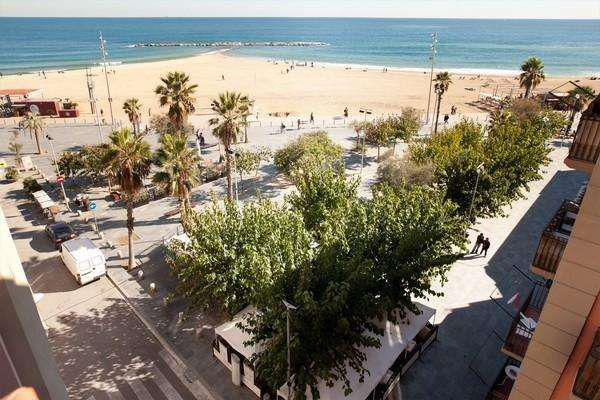 Otlichnaya kvartira v Barselone u morya - N2900 - vikmar-realty.ru