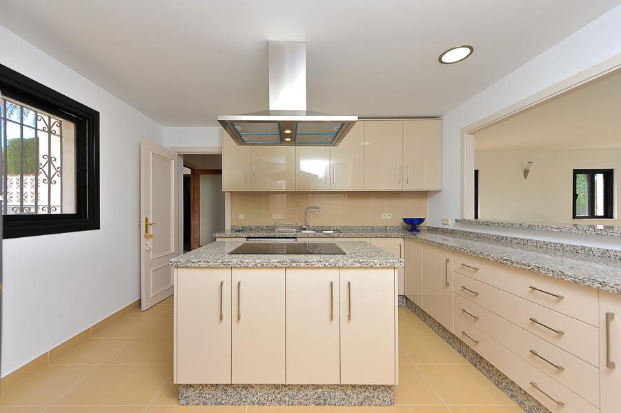 Villa na prodazhu v urbanizatsii Paraiso Alto v munitsipalitete Benakhavis - N2960 - vikmar-realty.ru