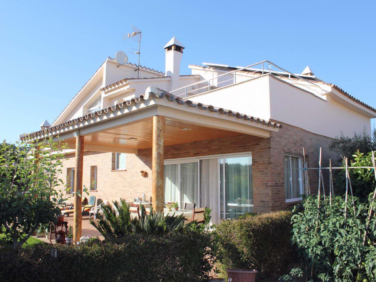 Недвижимость в испании коста брава пинеда де мар