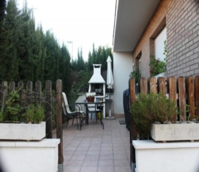 3-zhtazhny smezhny dom - kottedzh v Kambrilse - N3340 - vikmar-realty.ru