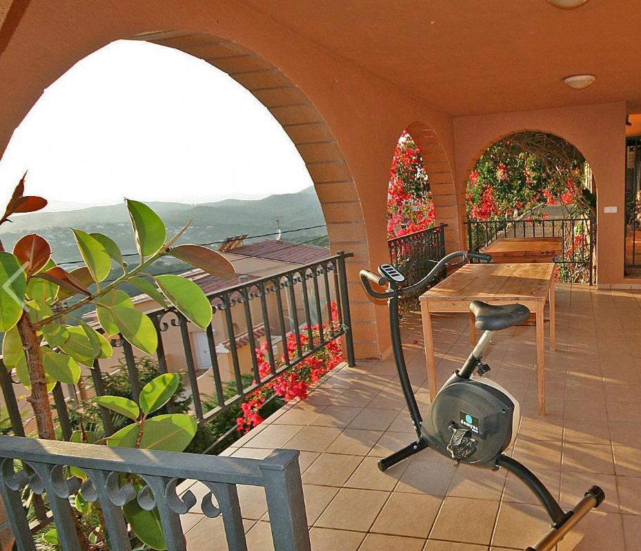Villa v urbanizatsii Roca Grossa s vidom na more v Lloret de Mar - N3680 - vikmar-realty.ru