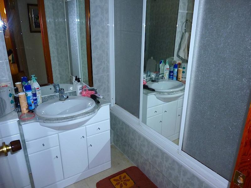 Apartamenty v Benidorme u morya v zhilom komplekse s palmami - N0931 - vikmar-realty.ru