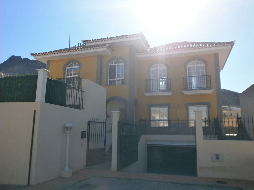 Испания недвижимость почему