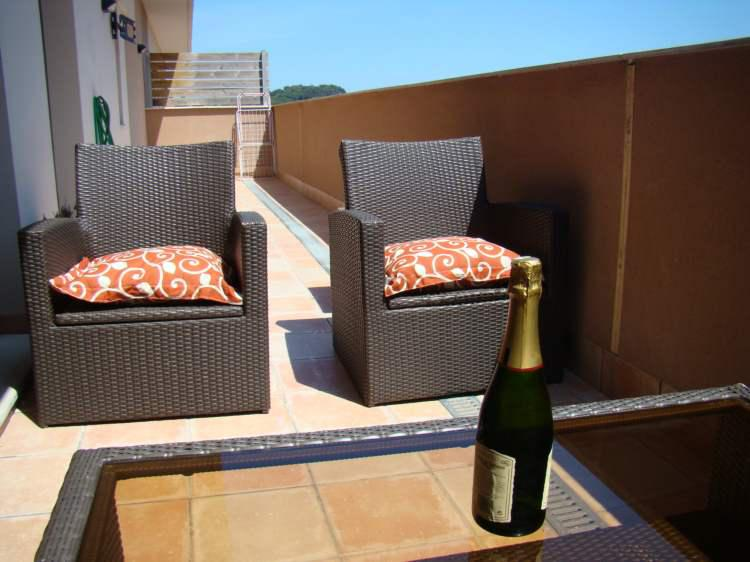 Apartamenty v Lloret de Mar v zhilom komplekse s vidom na more - N3231 - vikmar-realty.ru