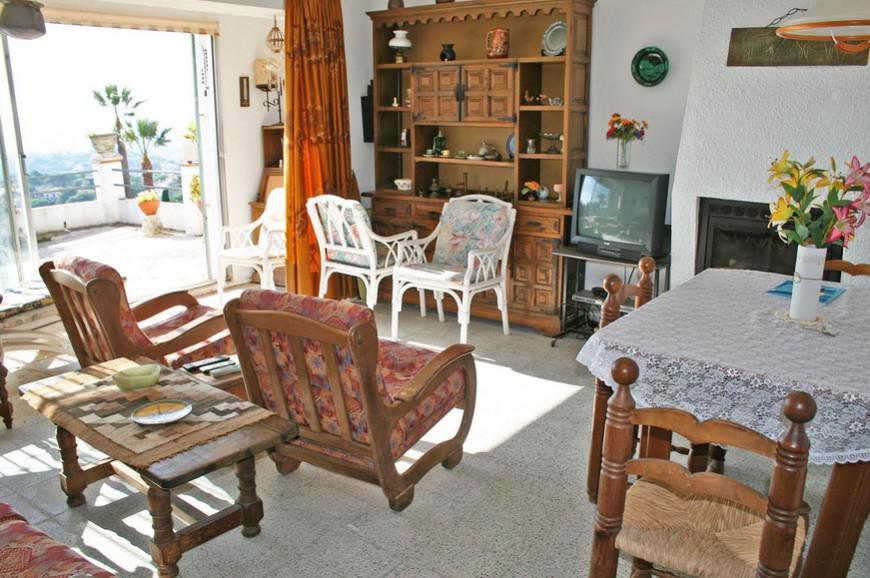 Villa v Lloret de Mar v bukhte Kala Kanyelyes - N3401 - vikmar-realty.ru