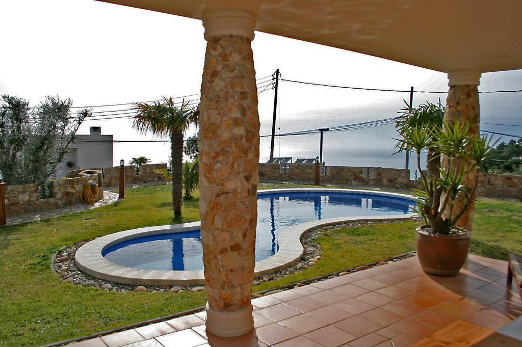 Shikarnaya villa v Lloret de Mar v urbanizatsii Serra Brava s vidom na more - N3691 - vikmar-realty.ru