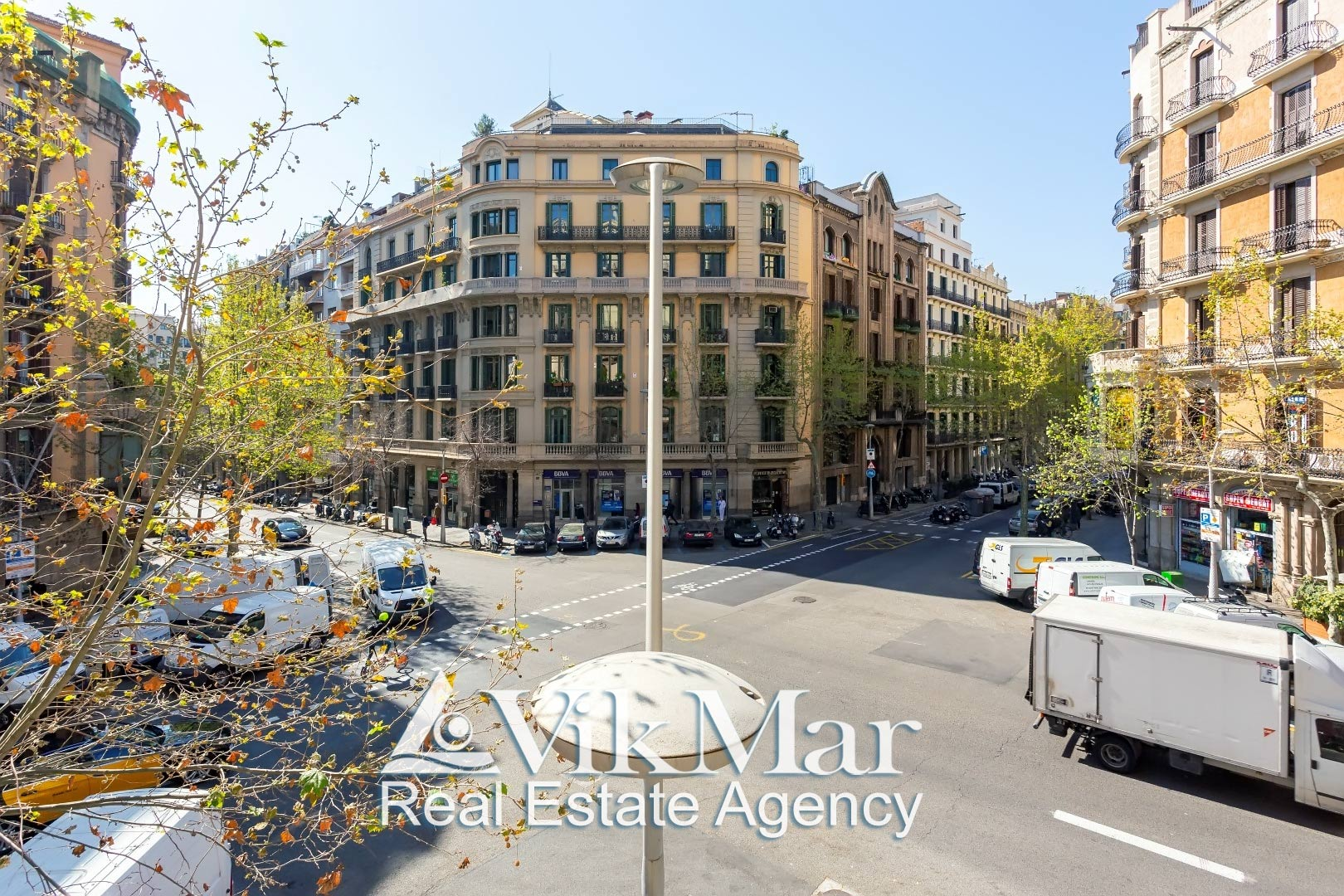 Prodazha kvartiry v istoricheskom tsentre Barselony na ulitse Carrer de Roger de Llúria - N1852 - vikmar-realty.ru