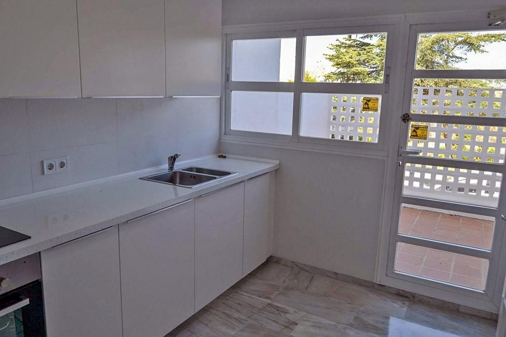 Prekrasny dom-taunkhaus v Mikhas Kosta v urbanizatsii Altos de Calahonda - N2022 - vikmar-realty.ru