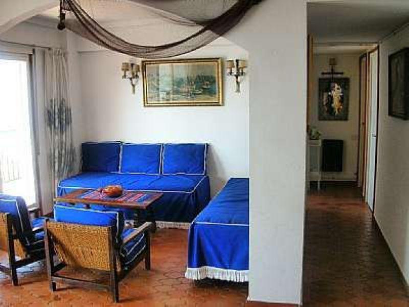 Khoroshiye apartamenty v Tossa de Mar v bukhte Levado - N2062 - vikmar-realty.ru
