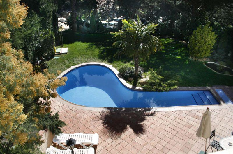 Komfortabelnaya villa v Lloret de Mar s basseynom i sadom - N2232 - vikmar-realty.ru