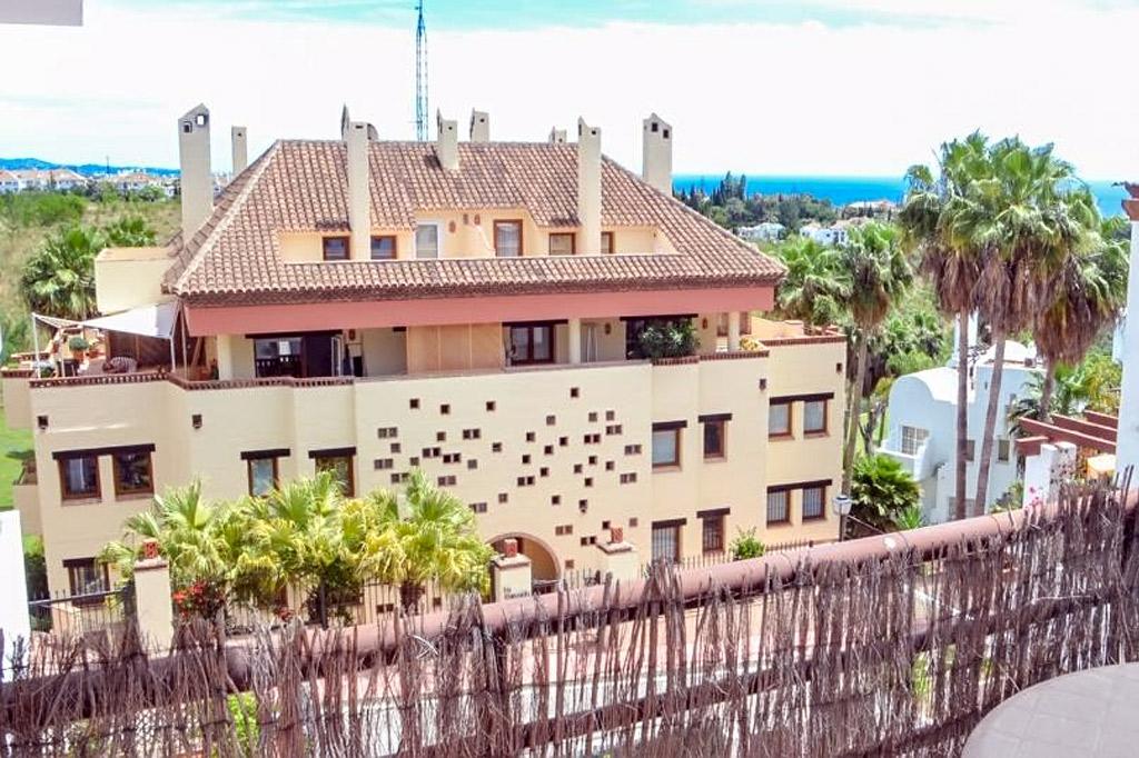 Apartamenty v urbanizatsii Coto Real 2 v rayone Zolotaya Milya Marbeli - N2922 - vikmar-realty.ru