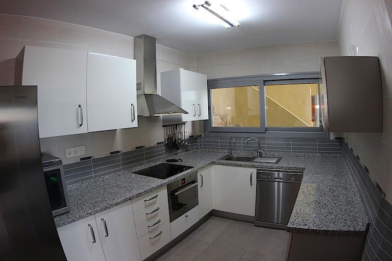 Smezhny dom v Benidorme na plyazhe Poniyente - N3312 - vikmar-realty.ru