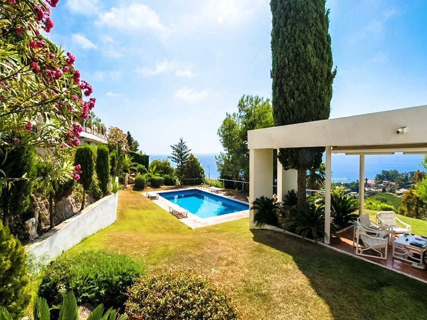 Villa v Blanese na poberezhye Kosta Brava v Ispaniya. - N3402 - vikmar-realty.ru