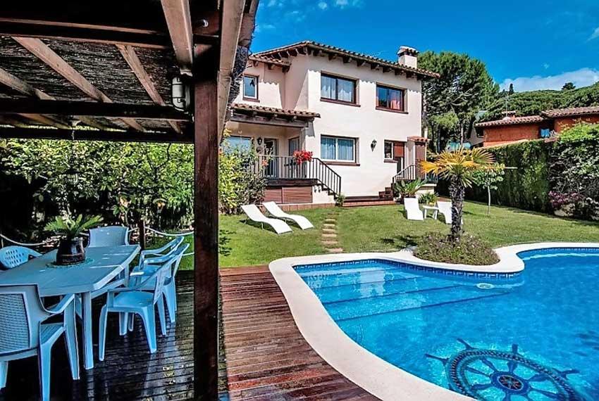 Villa v prigorode Barselony v Villasar de Dalt v Ispanii - N3492 - vikmar-realty.ru
