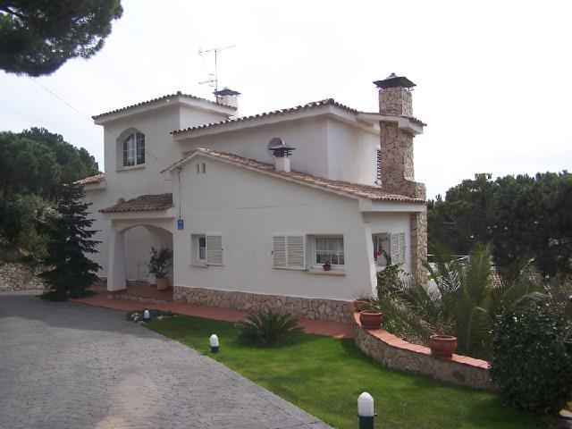 Dom v prigorode Barselony na poberezhye Kosta Maresme - N3512 - vikmar-realty.ru