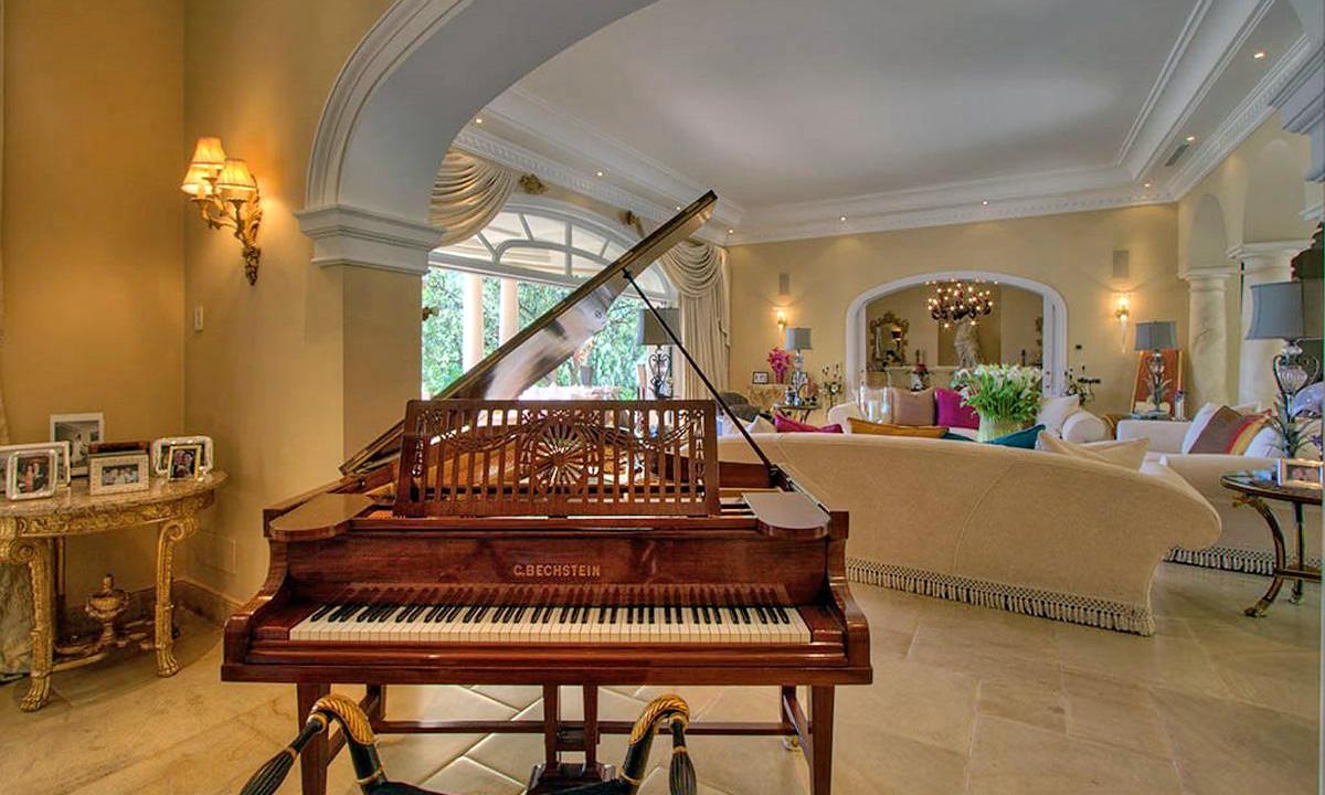 Elitnaya villa v klassicheskom stile v Klub De Kampo La Zagaleta v Benakhavise, Ispaniya - N3672 - vikmar-realty.ru