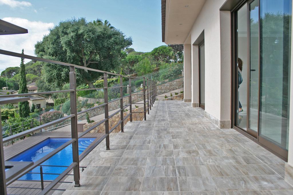 Novaya villa v Lloret de Mar okolo plyazha Canyelles - N3682 - vikmar-realty.ru