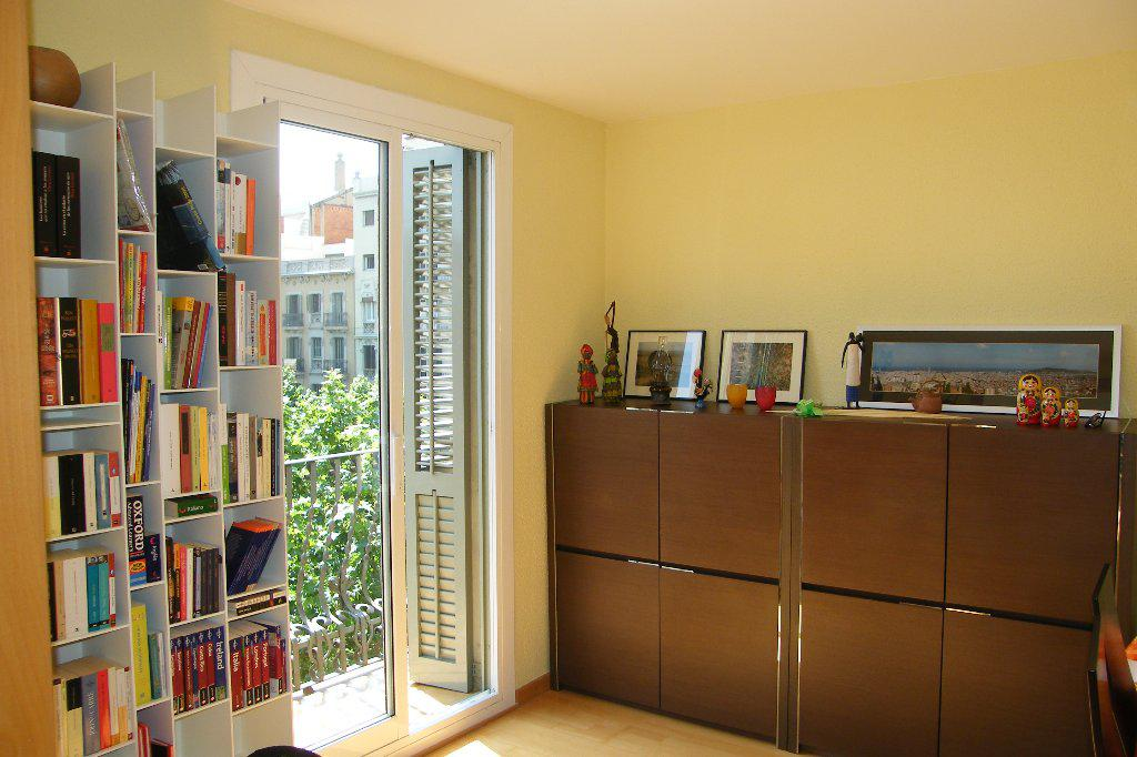 Komfortabelnaya kvartira v Barselone na ulitse Agaro - N1363 - vikmar-realty.ru