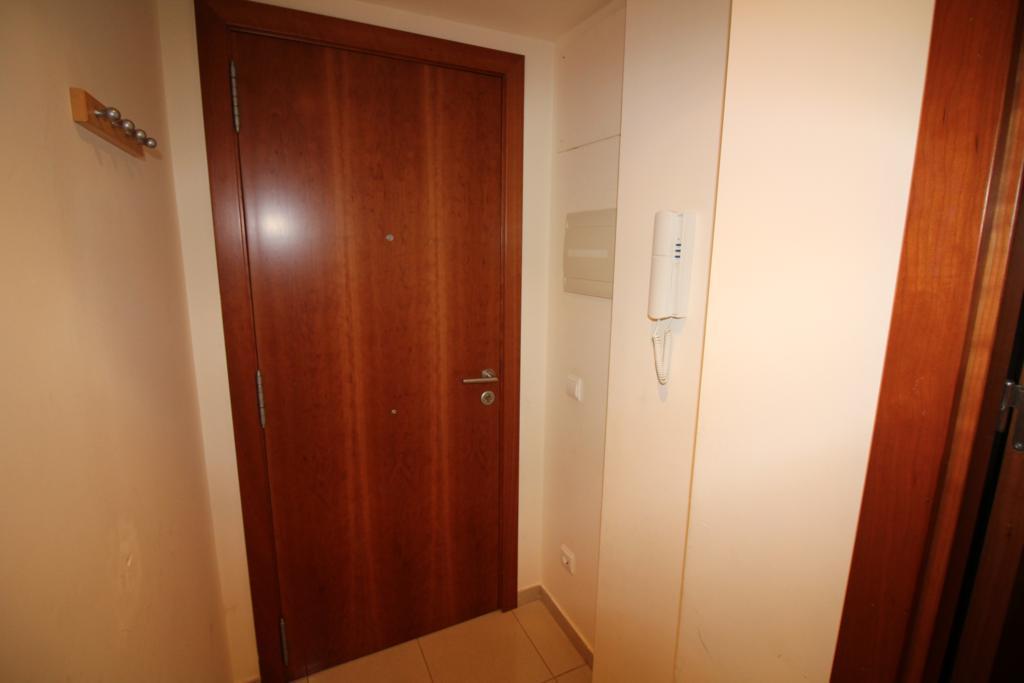 Komfortabelnaya kvartira na 1-y linii morya v Roses, rayon Salatar - N1573 - vikmar-realty.ru