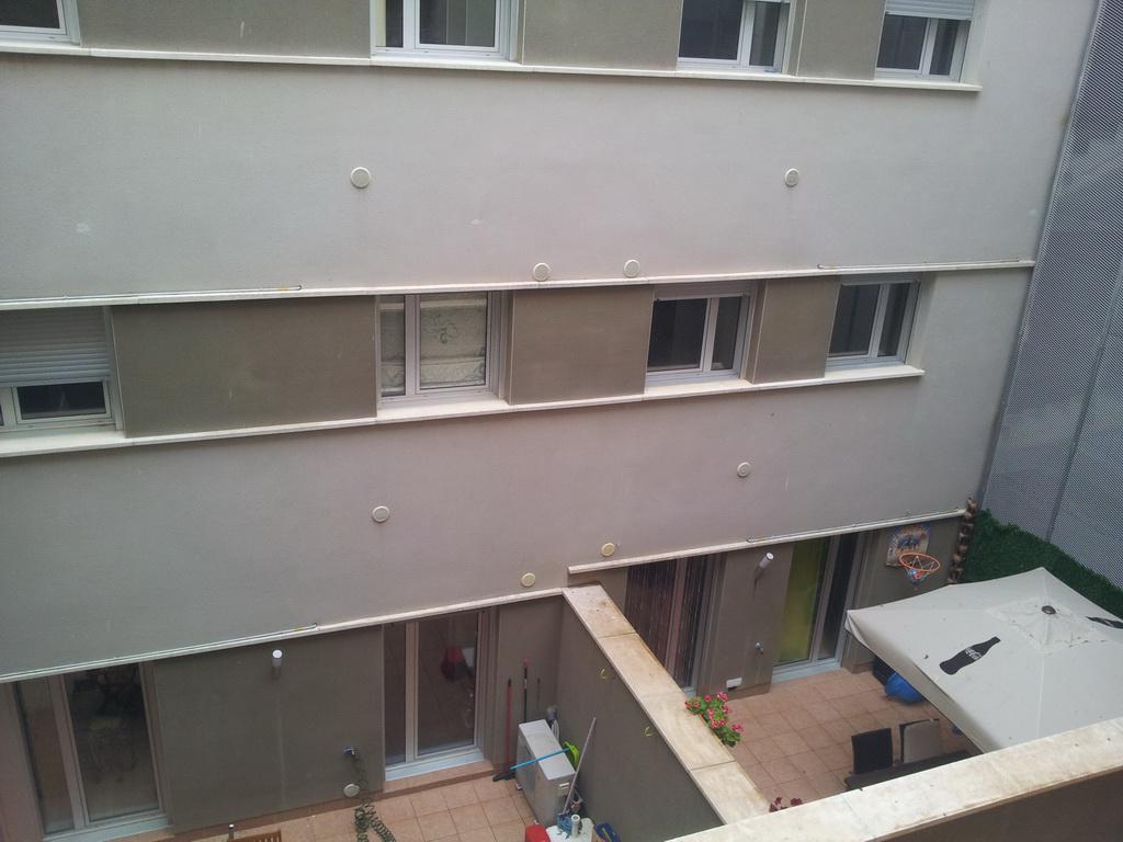 Nedorogaya trekhkomnatnaya kvartira v Rosese na ulitse Espronseda - N2103 - vikmar-realty.ru