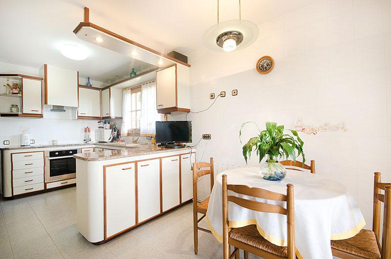 Dom na 3-etazha v prigorode Barselony Alelye s uchastkom i vidom na more - N3103 - vikmar-realty.ru