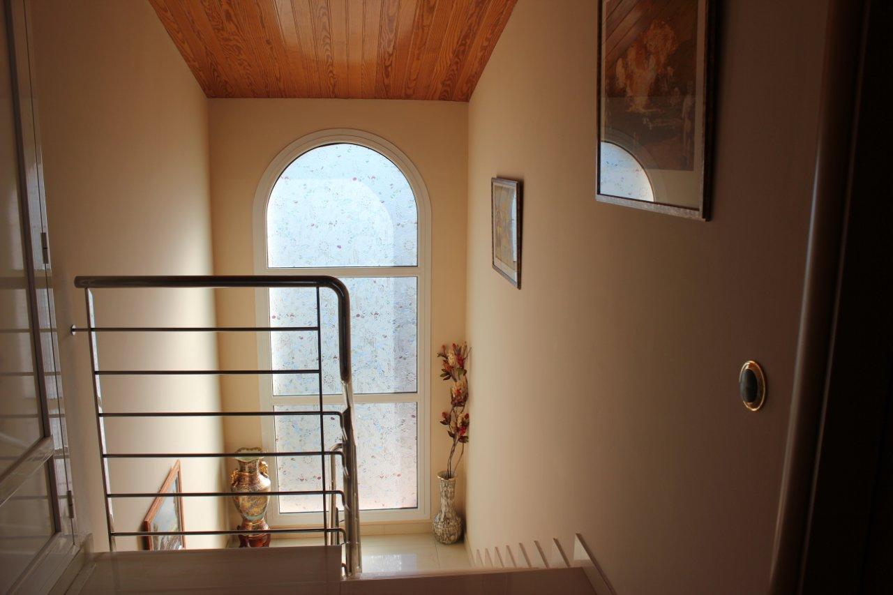 Prostorny dom s ukhozhennym sadom i basseynom - N3143 - vikmar-realty.ru