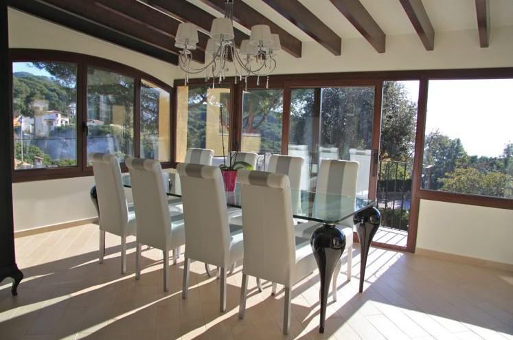 Villa na bolshom uchastke v Lloret de Mar u morya - N3423 - vikmar-realty.ru