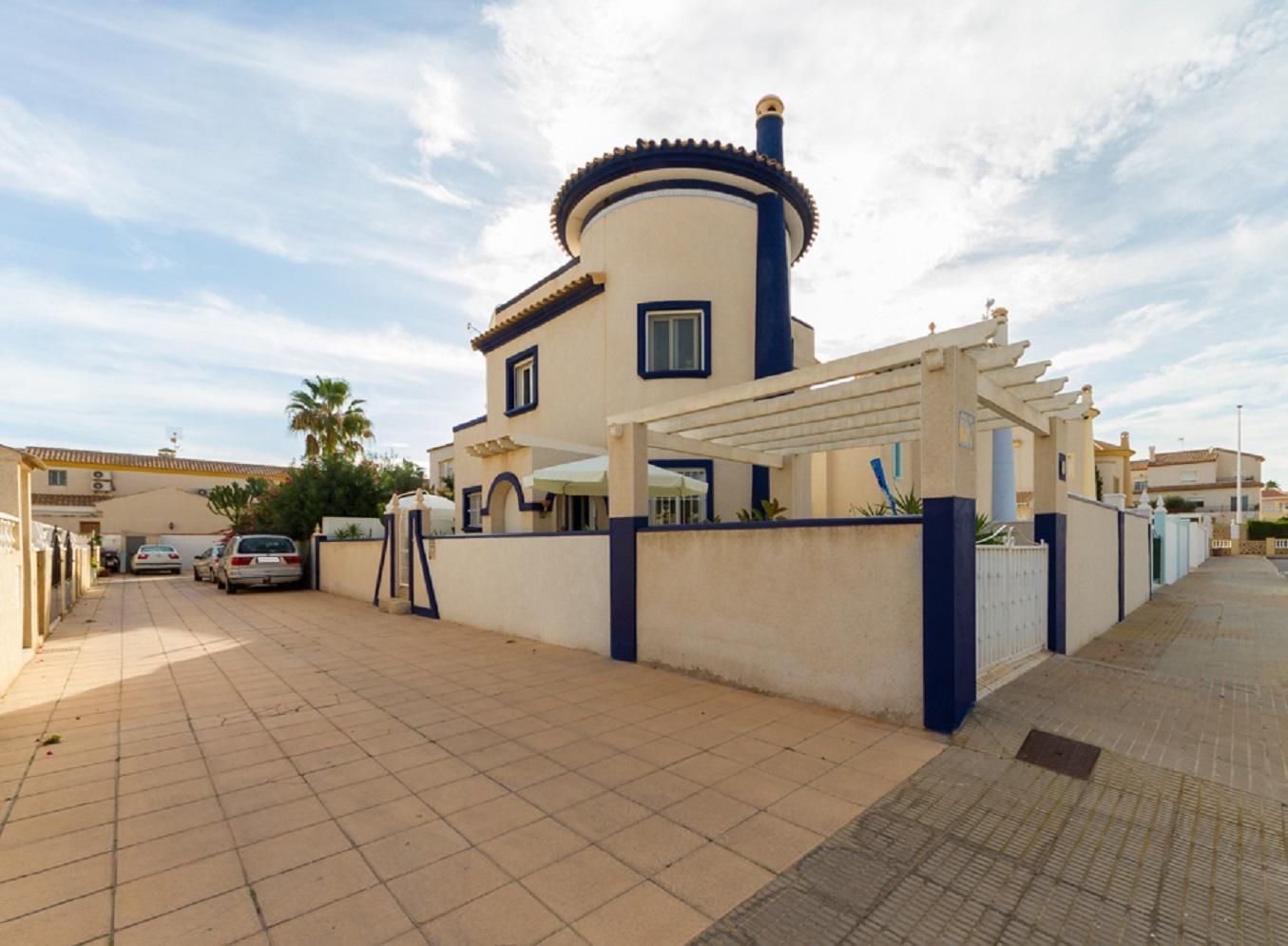 Dom v Oriuela Kosta u morya okolo plyazha La Zenia - N3583 - vikmar-realty.ru