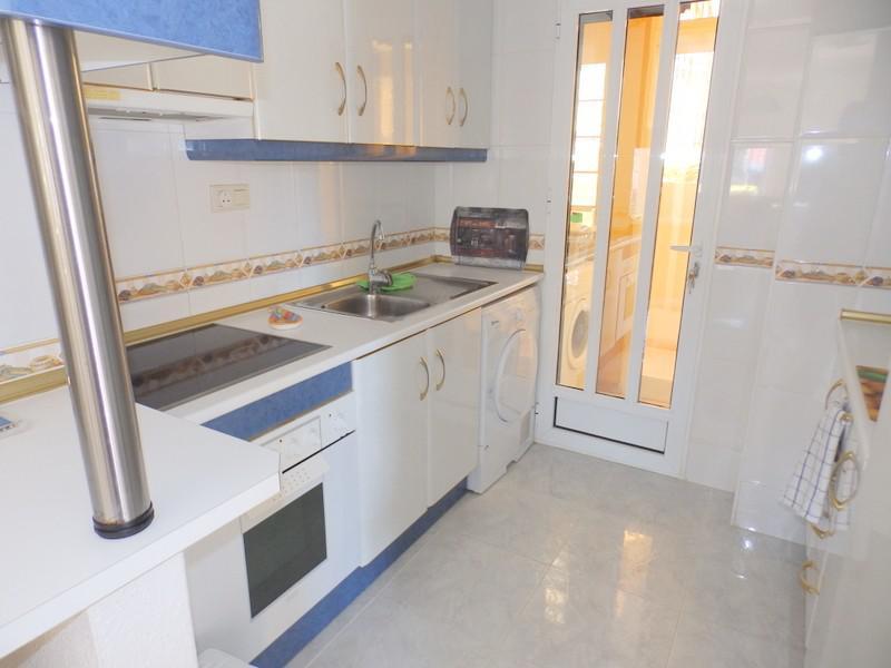 Komfortabelnaya 2-etazhnaya villa v rayone Las-Filipinas v prigorode Torrevyekhi - N1054 - vikmar-realty.ru