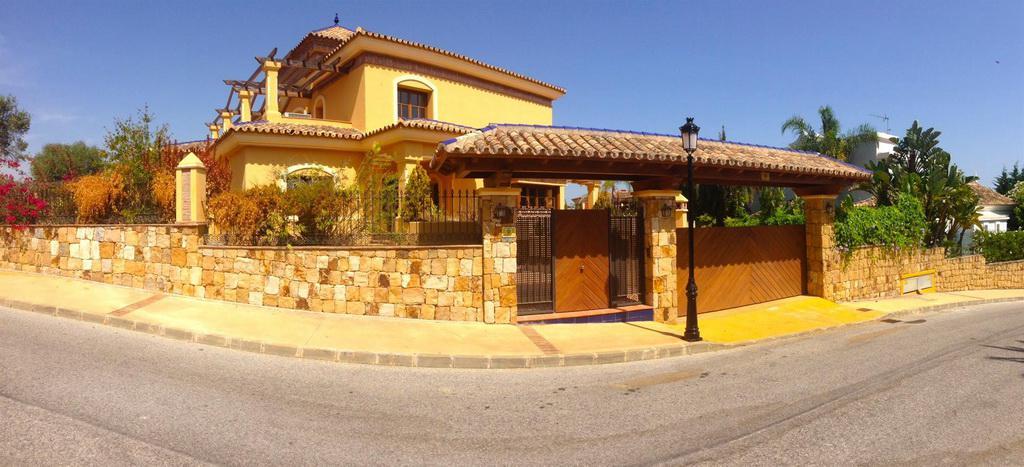 Villa v Marbelye na poberezhye Kosta del Sol - N2944 - vikmar-realty.ru