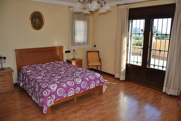 Elitny dom v Morayre s sadom, basseynom i vinnym pogrebom - N2994 - vikmar-realty.ru