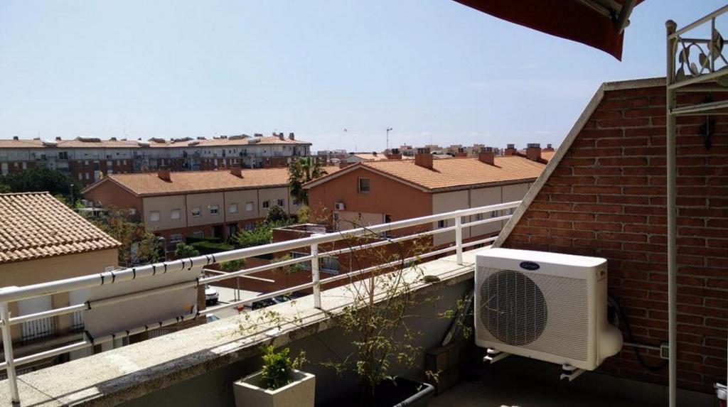 Prekrasny 4-etazhny dom u morya v Kalelye okolo Barselony - N3604 - vikmar-realty.ru