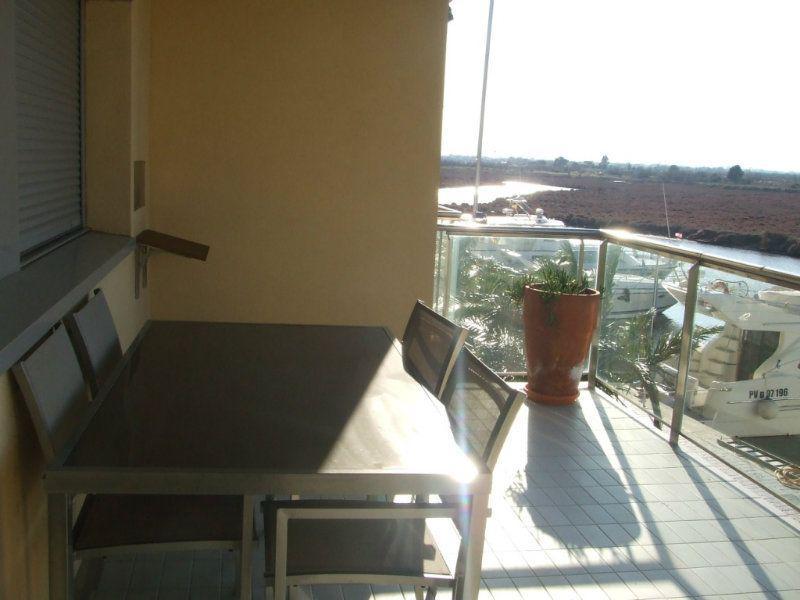 Komfortabelnyye apartamenty v zakrytom zhilom komplekse v Roses - N0965 - vikmar-realty.ru