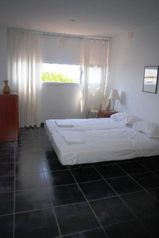 Sovremenny dom na dve semi na beregu morya v Lloret de Mar - N1285 - vikmar-realty.ru