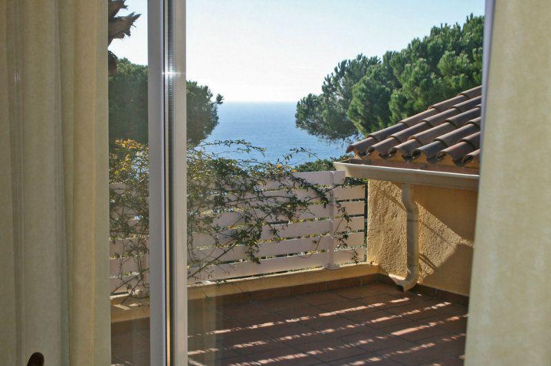 Zamechatelny dom na beregu morya v Lloret de Mar v Ispanii - N1735 - vikmar-realty.ru