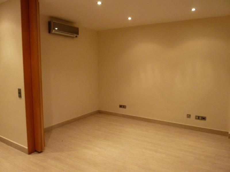 Roskoshnyye apartamenty v prigorode Barselony na beregu morya - N2975 - vikmar-realty.ru