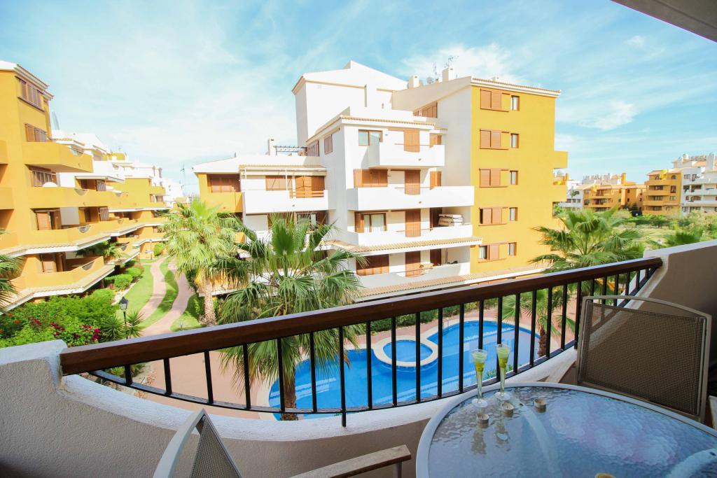 Квартира на побережье испании купить