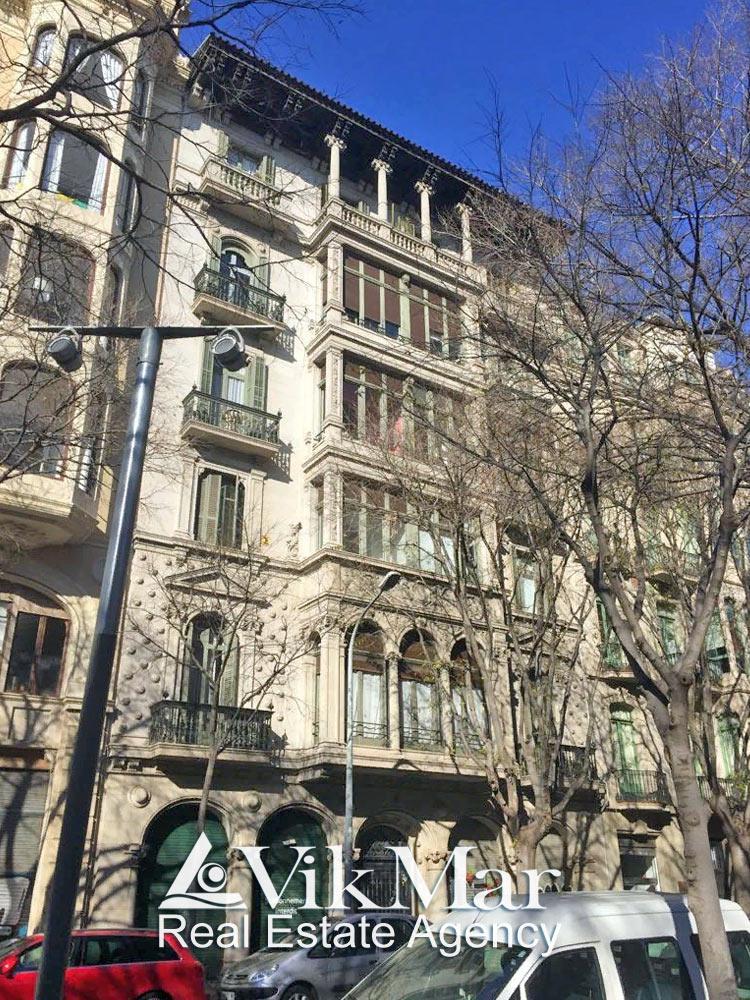 Prodazha elitnoy kvartiry dupleks v Barselone v rayone «Zolotoy kvadrat ispanskogo moderna» - N3695 - vikmar-realty.ru