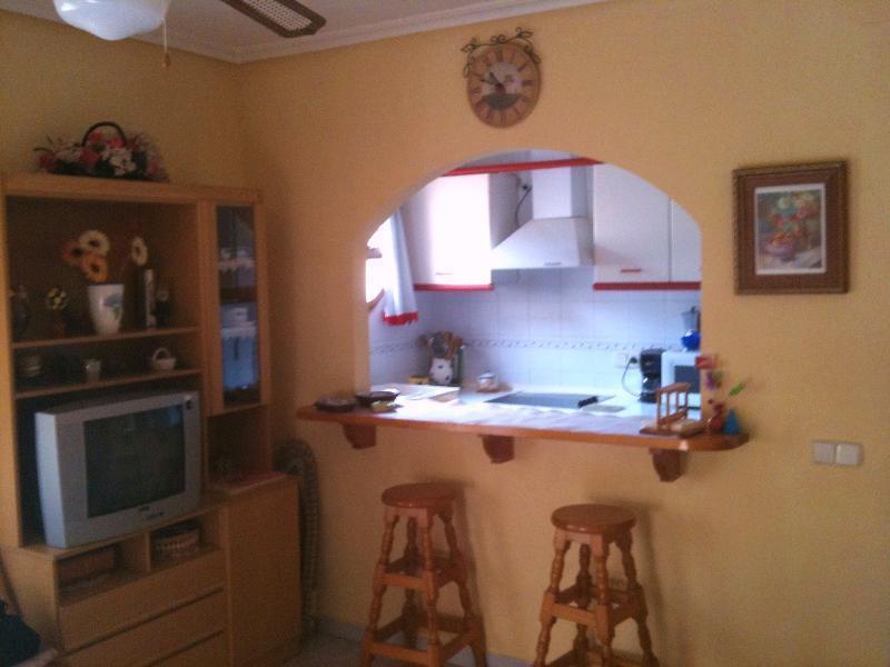 Khoroshaya kvartira v tsentre kurortnoy zony Kosta-Blanki - g.Torrevyekhe - N1186 - vikmar-realty.ru
