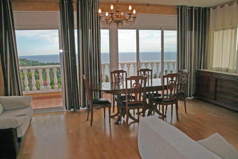 2-etazhny dom u morya na poberezhye Kosta Brava v Lloret de Mar - N1736 - vikmar-realty.ru