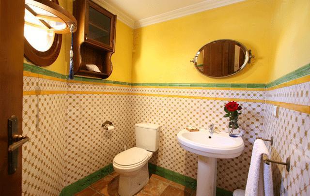 Eksklyuzivnaya villa v Marbelye okolo polya dlya golfa - N2126 - vikmar-realty.ru