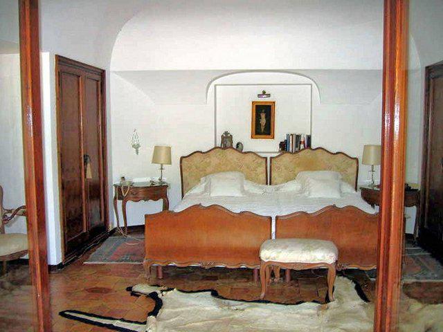 Villa v Palse na utese s sobstvennym spuskom k plyazhu - N3086 - vikmar-realty.ru