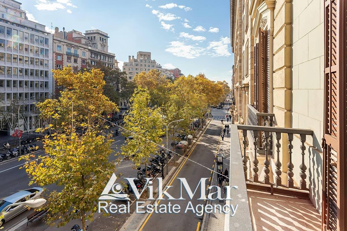Prodazha kvartiry na 4 spalni v «Zolotom Kvadrate» Barselony na prospekte Gran Via - N3236 - vikmar-realty.ru