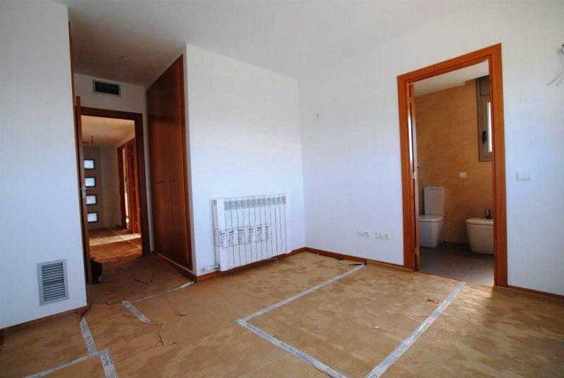 Novaya villa v Kabrilse v prigorode Barselony - N3536 - vikmar-realty.ru