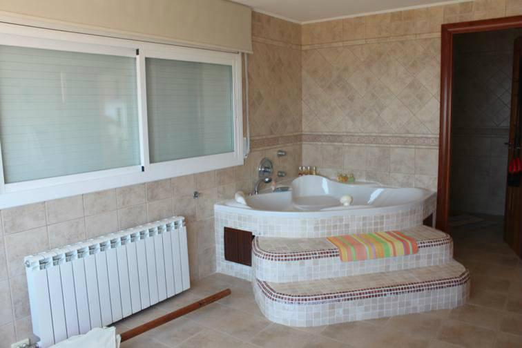 Komfortabelnaya villa s vidom na more v Lloret de Mar - N3686 - vikmar-realty.ru