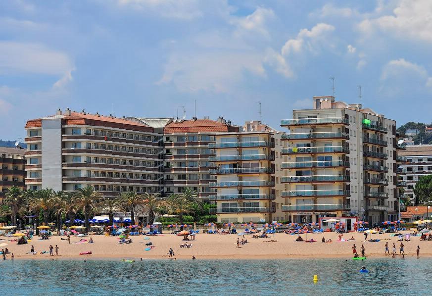 Neskolko novykh taunkhauzov s vidom na more v prigorode Barselony - N1257 - vikmar-realty.ru