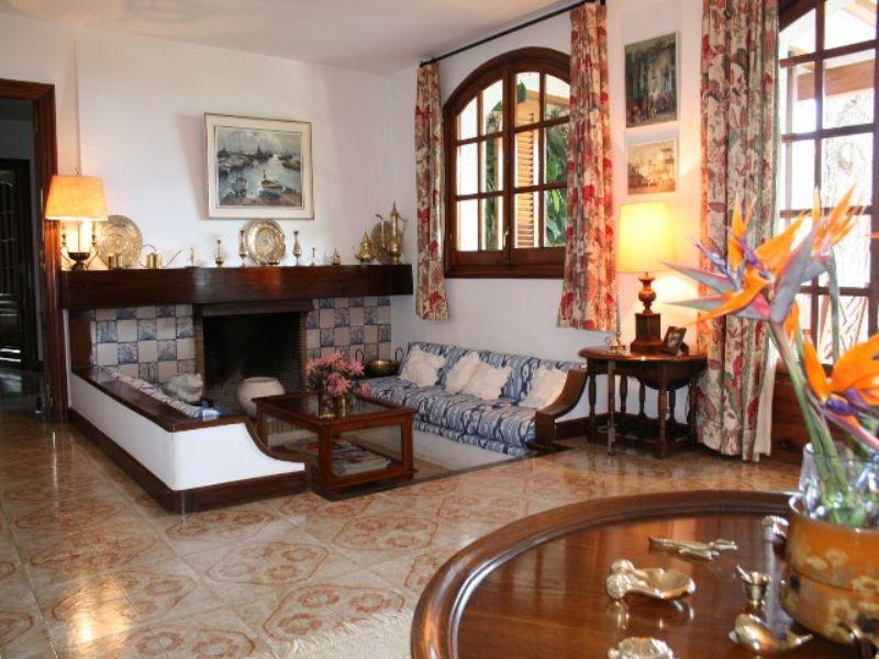 Prodayetsya roskoshnaya villa v Lloret-de-Mar na ogromnom uchastke - N3077 - vikmar-realty.ru
