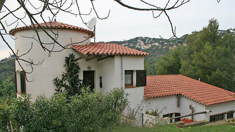 Dom s velikolepnym vidom na more i gory v Lloret de Mar - N3137 - vikmar-realty.ru