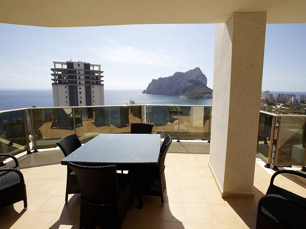 Prodazha kvartiry v Ispanii v Kalpe s vidom na more v Playa La Fossa - N3277 - vikmar-realty.ru