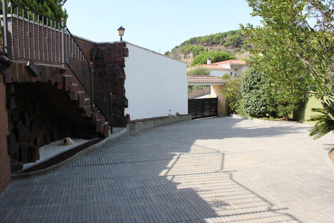 Villa v prigorode Barselony v gorode Kalelya (Calella) - N3287 - vikmar-realty.ru